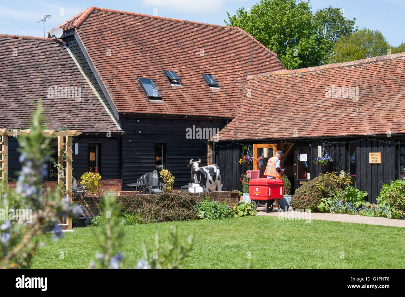 Thame Barns Centre, Church Road, Thame, Oxfordshire, England, United Kingdom - Stock Image
