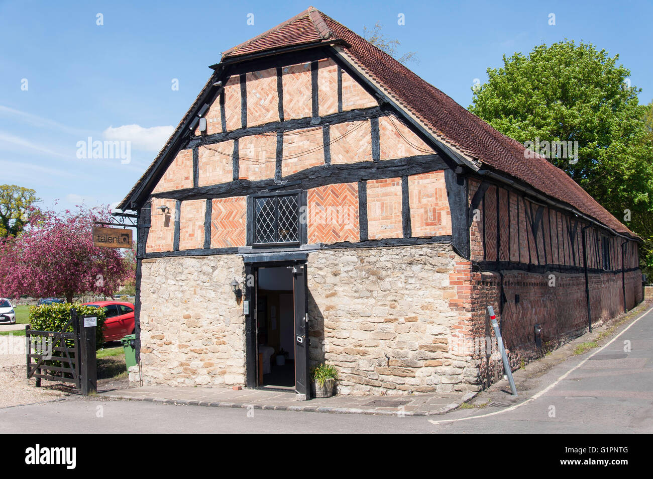 Tithe Barn, Church Road, Thame, Oxfordshire, England, United Kingdom - Stock Image