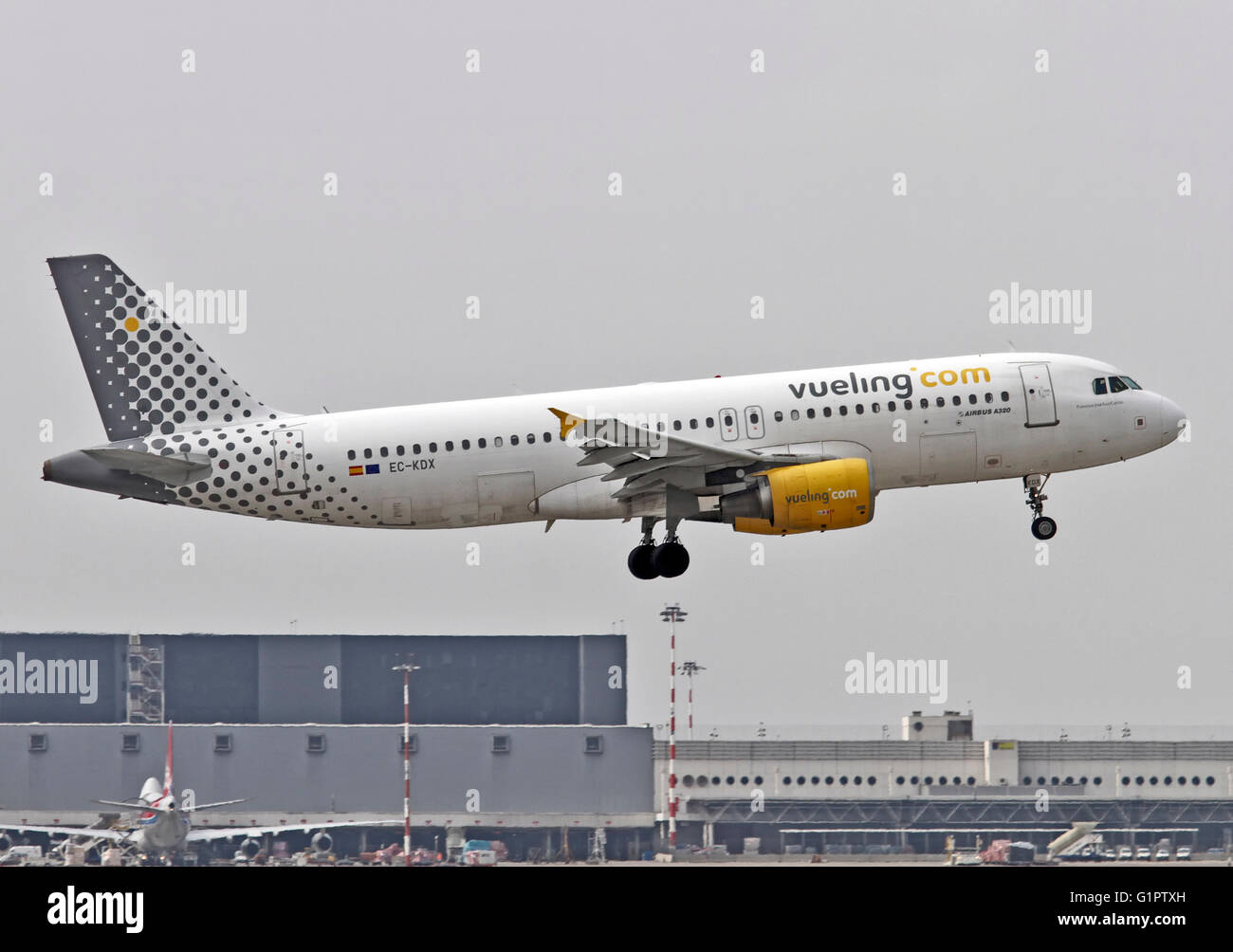 EC-KDX Vueling Airbus A320-216 Photographed at Malpensa airport, Milan, Italy - Stock Image