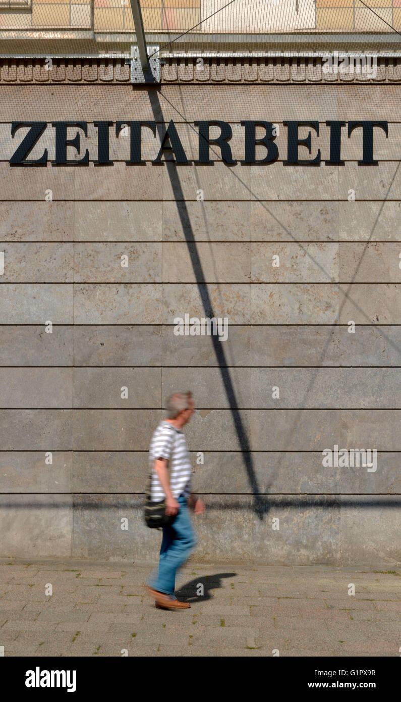 Werbung, Zeitarbeit, Berlin, Deutschland - Stock Image