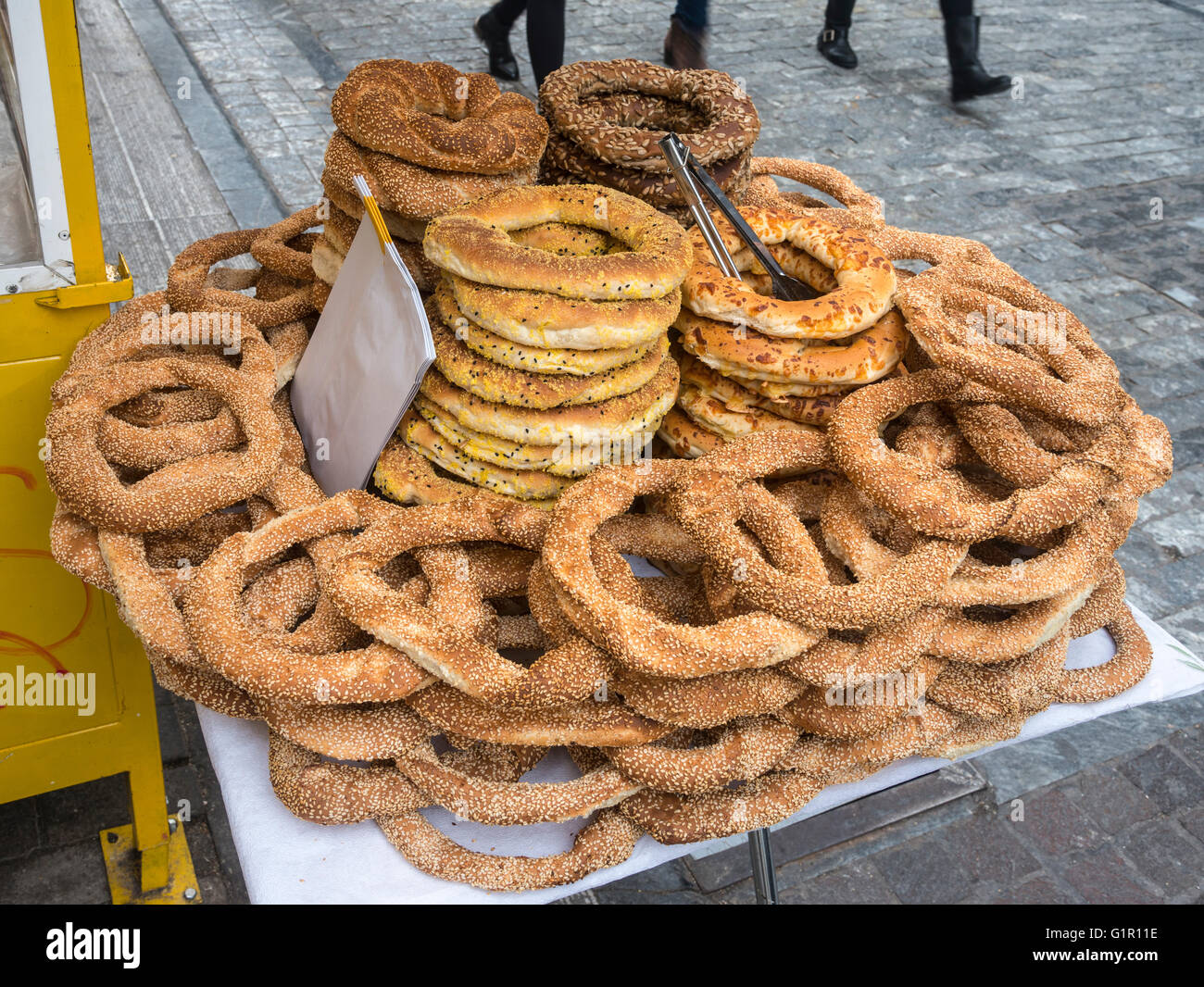 koulouri (bred rings) for sale from a kiosk in Ermou street in the centre of Athens, Greece. - Stock Image