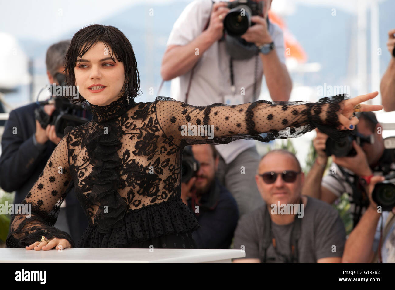 Actress Soko at the The Stopover (Voir Du Pays) film photo call at the 69th Cannes Film Festival Wednesday 18th - Stock Image