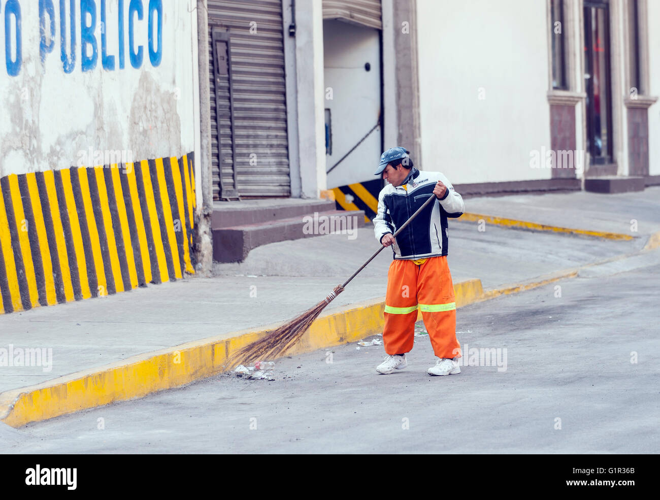 Sweeper Stock Photos Amp Sweeper Stock Images Alamy