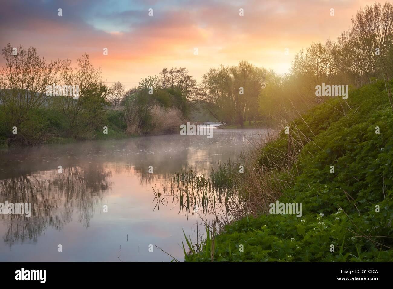 River Avon at dawn, Welford on Avon, Warwickshire, England - Stock Image