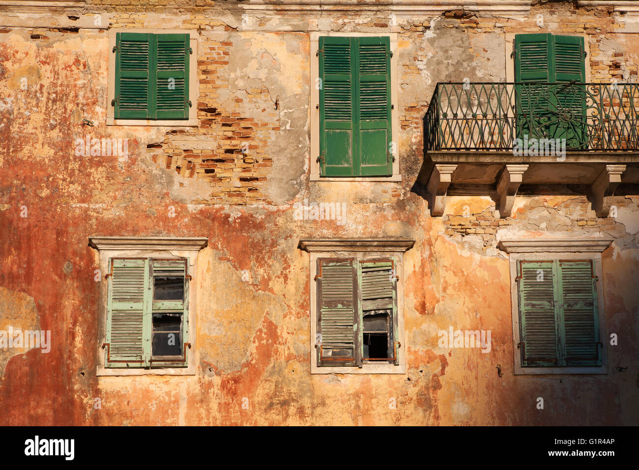 The decaying but still imposing remains of the Britsh Governor's Residence, Gaios, Paxos, Ionian Islands, Greece - Stock Image