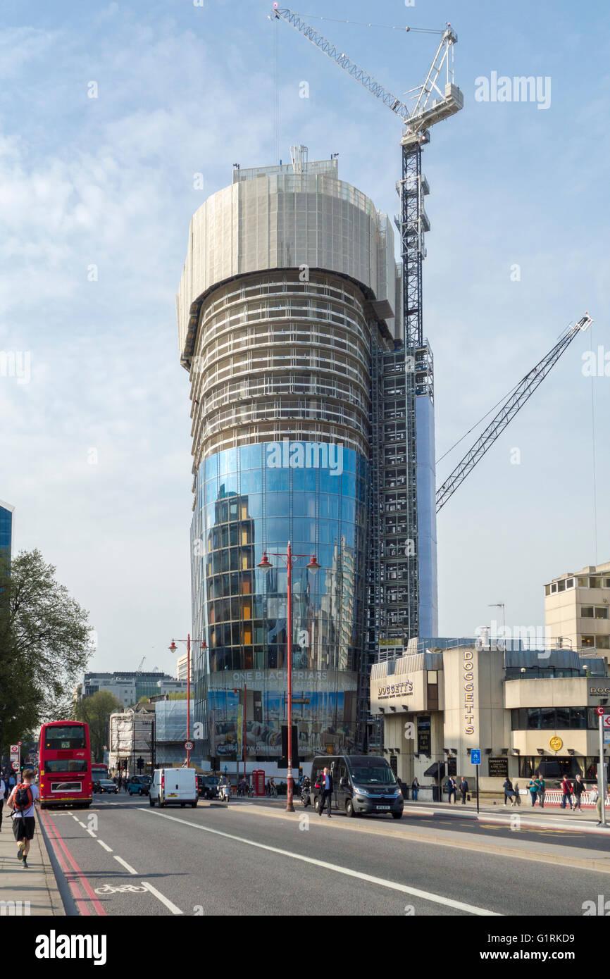 One Blackfriars, Blackfriars Road, London - tower under construction - Stock Image