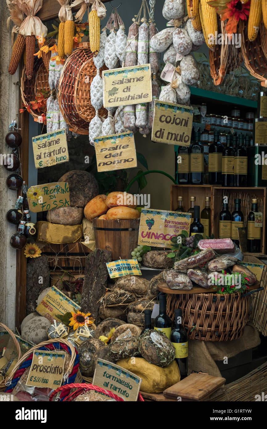 Deli with salami and cheese, Castiglione del Lago, Umbria, Italy - Stock Image