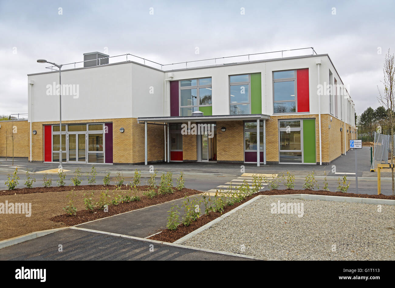 Entrance to the new Kings Hill Primary School, near Maidstone, Kent, UK. An academy school run by Valley Invicta - Stock Image