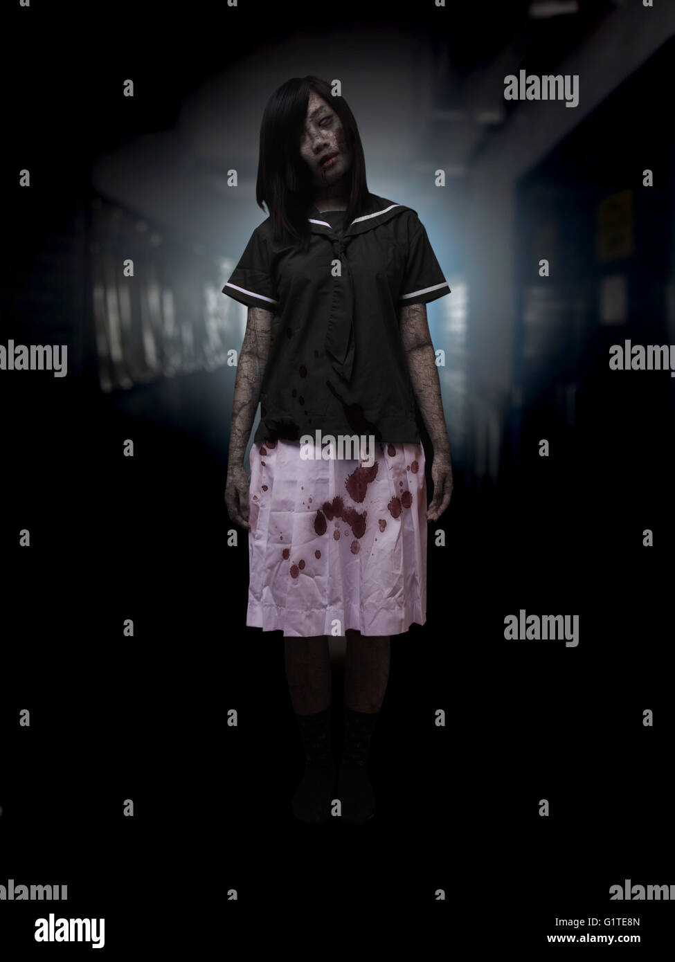 a675350596b a girl ghost ghost with blood female dead body red black anger chinese ghost  story injury blood wound eye dead hung on campus