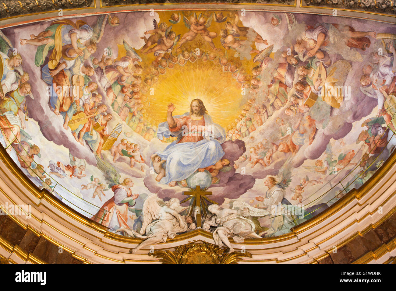 ROME, ITALY - MARCH, 2016: The fresco of Christ the Redeemer in Glory with the Heavenly Host by Niccolo Circignani - Stock Image