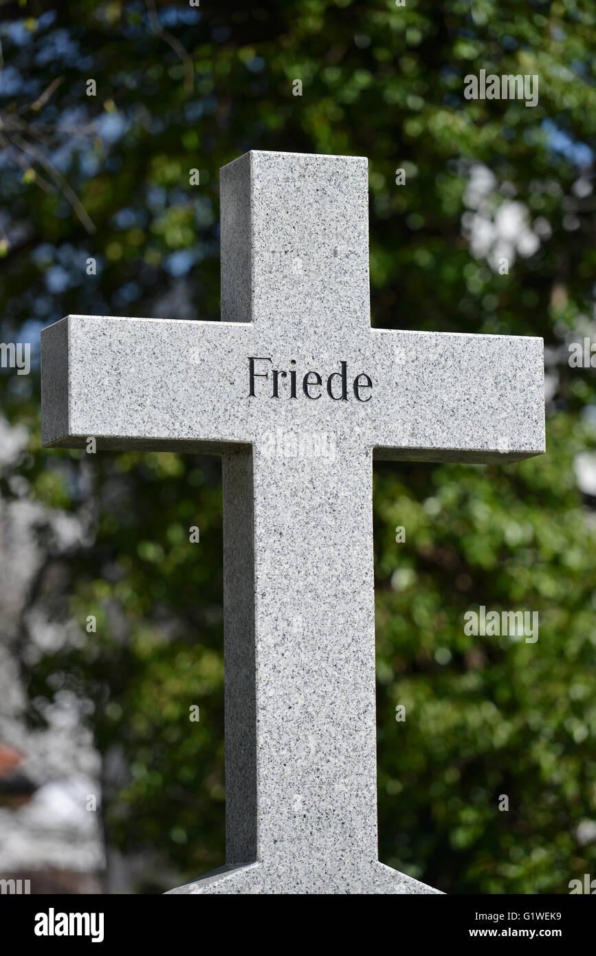 Grab, Kreuz, Friede, Invalidenfriedhof, Scharnhorststrasse, Mitte, Berlin, Deutschland Stock Photo