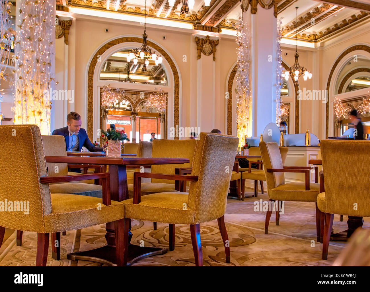Lobby of Peninsula hotel in Hong Kong - Stock Image