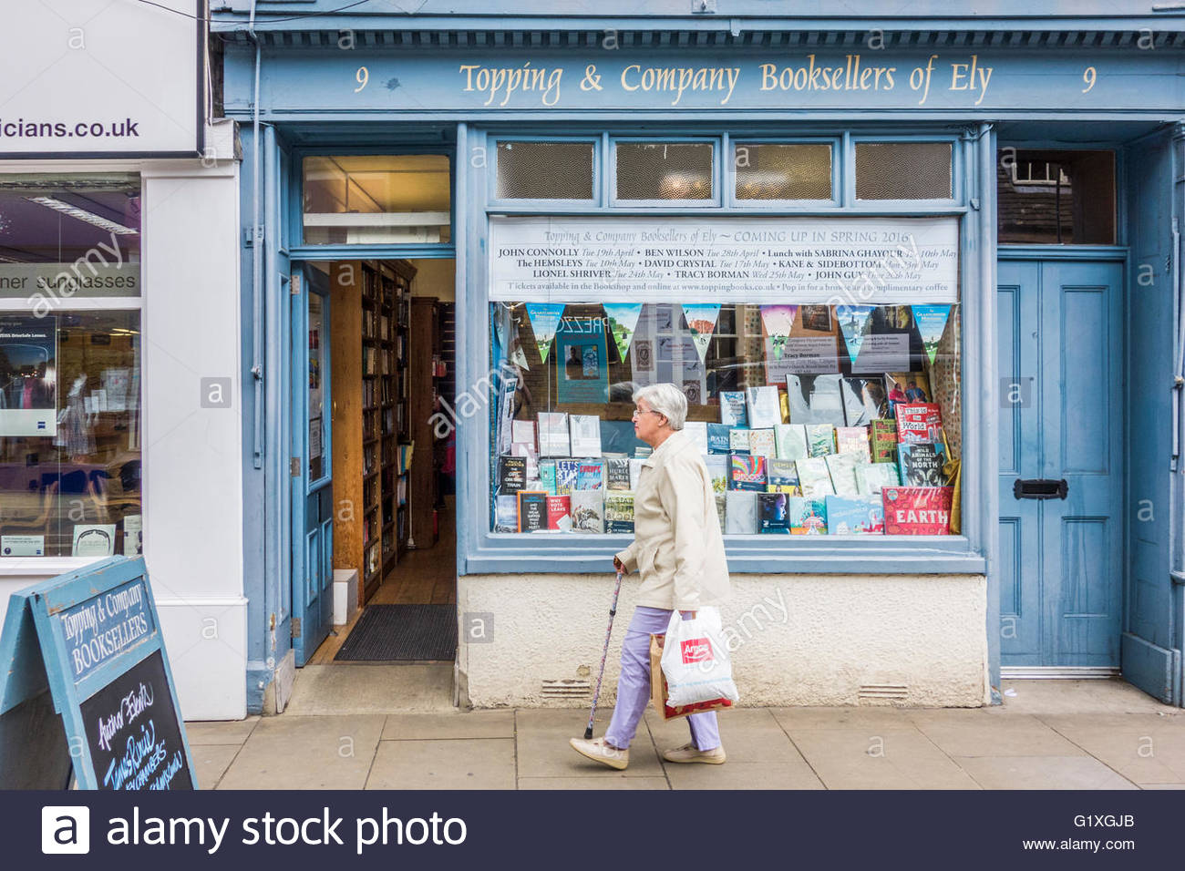 Topping and Company traditional booksellers in the High Street, Ely, Cambridgeshire, England, UK - Stock Image