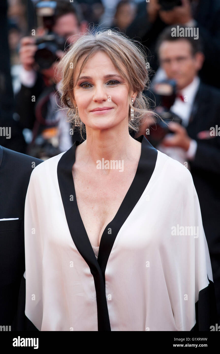 Cannes, France. 19th May, 2016. Actress Lia Bugner at the gala screening for the film Graduation (Bacalaureat) at - Stock Image