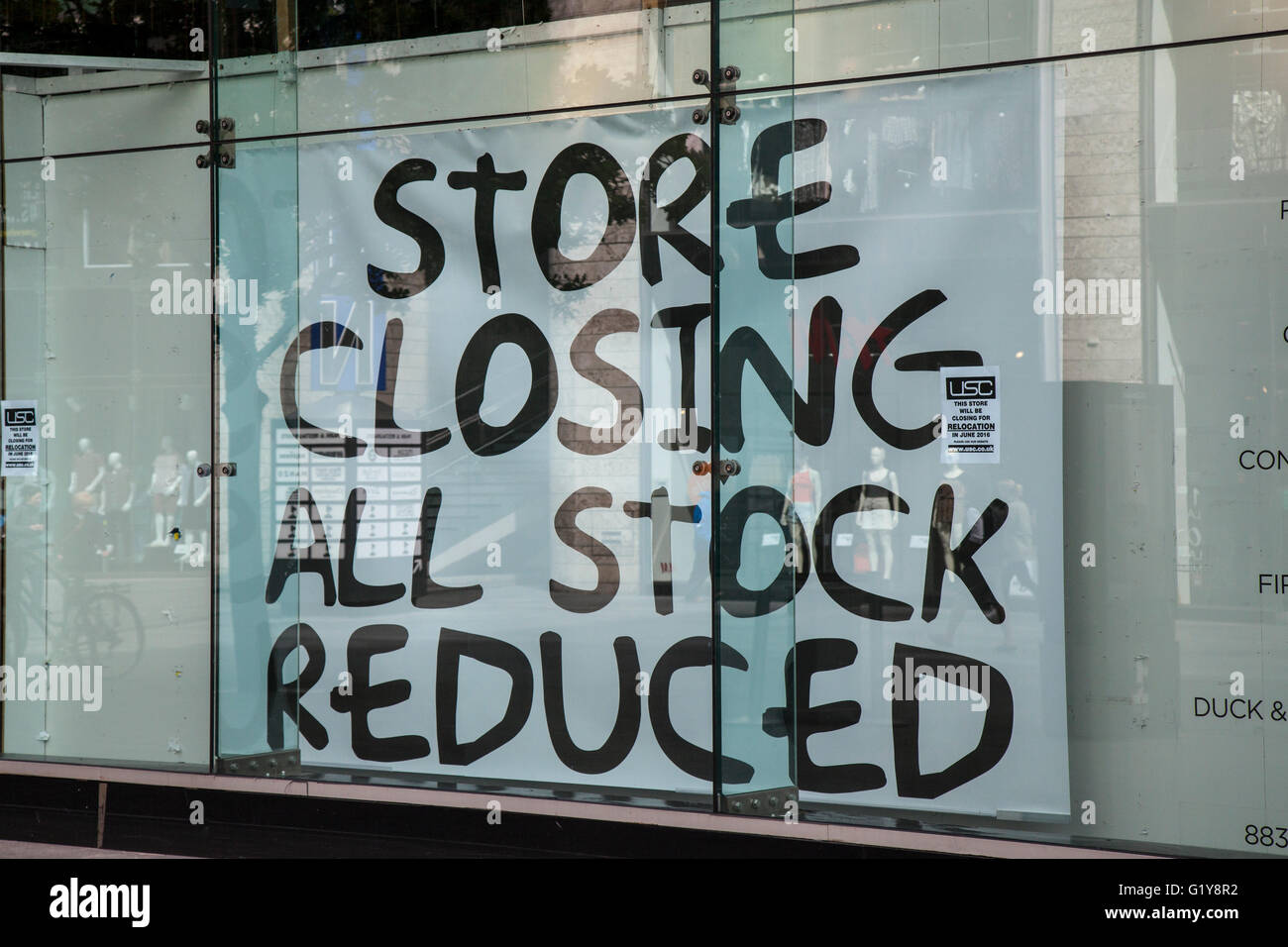USC Store closing down sale, shop front all stock reduced, Liverpool, Merseyside, UK Store Twenty One, Forever 21, - Stock Image