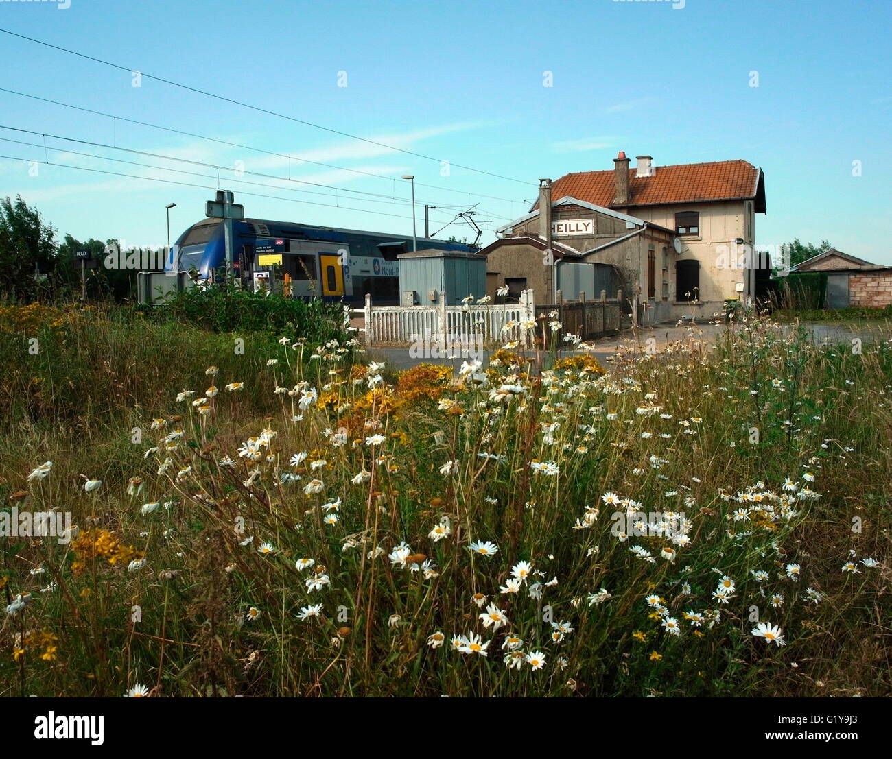 AJAXNETPHOTO. 2015. HEILLY, FRANCE. - STATION HOUSE - TRAIN STATION FROM WHERE BATTLE OF THE SOMME CASUALTIES WERE - Stock Image