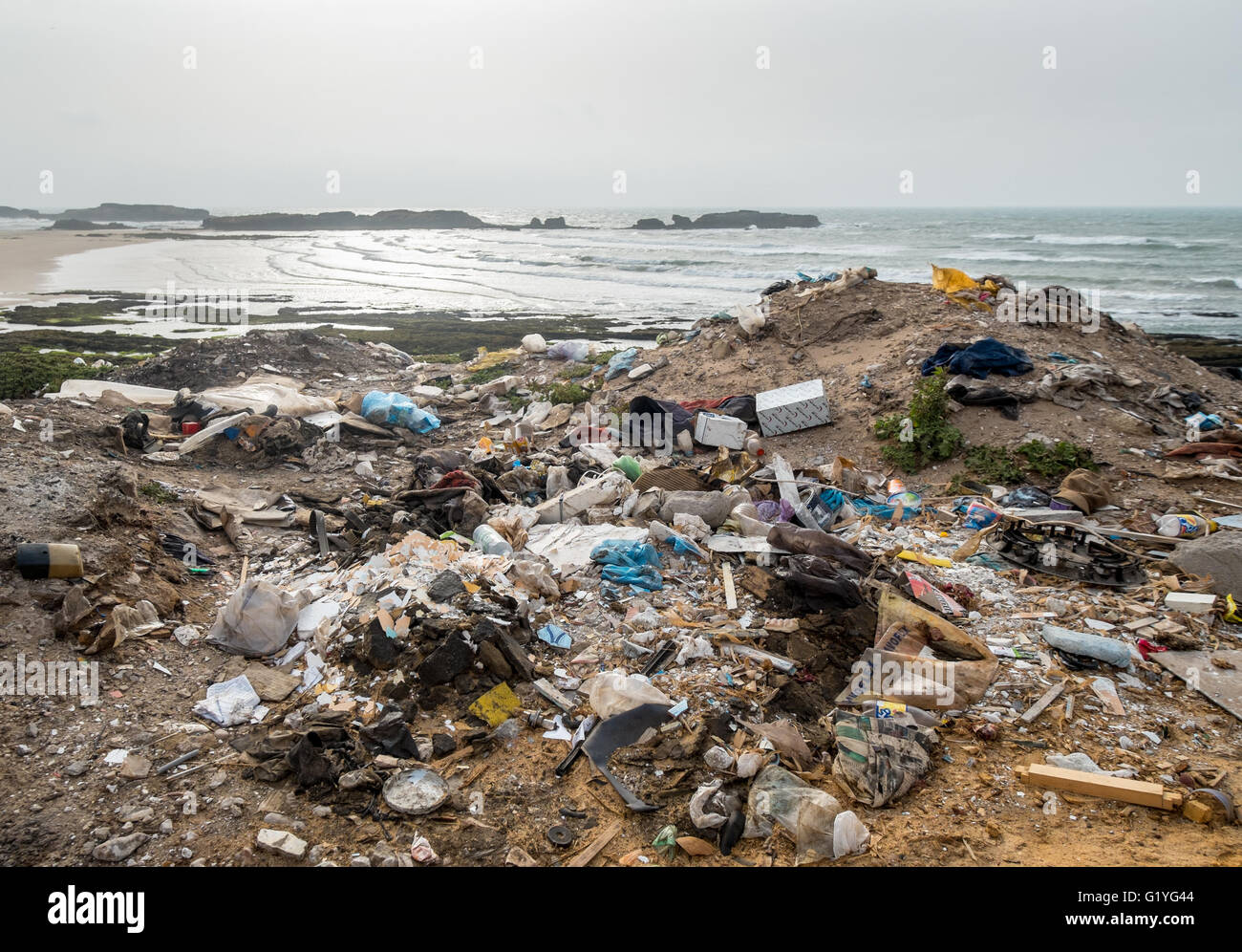 Rubbish on a beach in Morocco - Stock Image