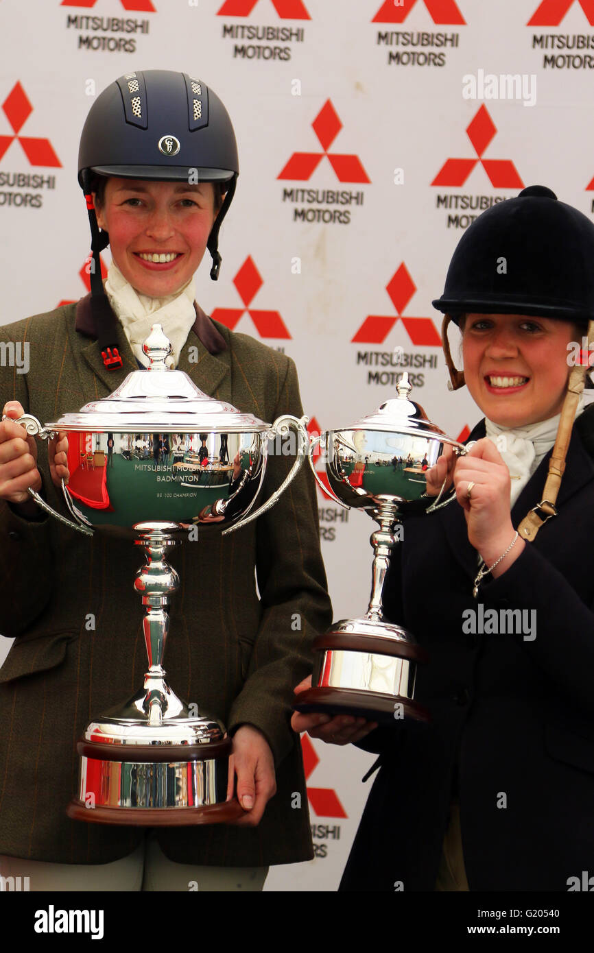 Katie Hancock (left) and Sophie Walker, winners of the Badminton Mitsubishi Motors Cup BE100 and BE90 Championships Stock Photo