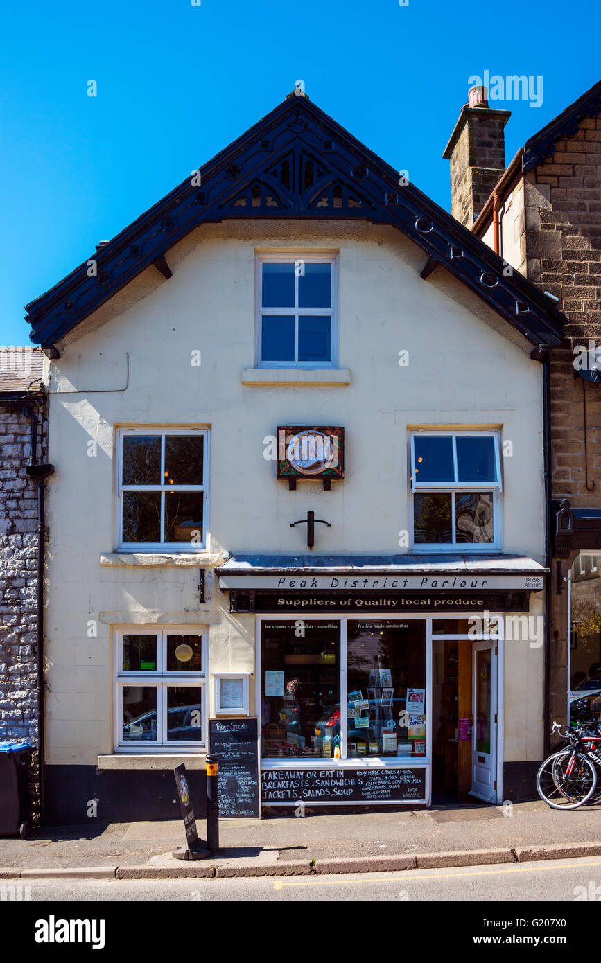 Peak District Parlour, Tideswell, with Queen Victoria Diamond Jubilee Wall Plaque - Stock Image
