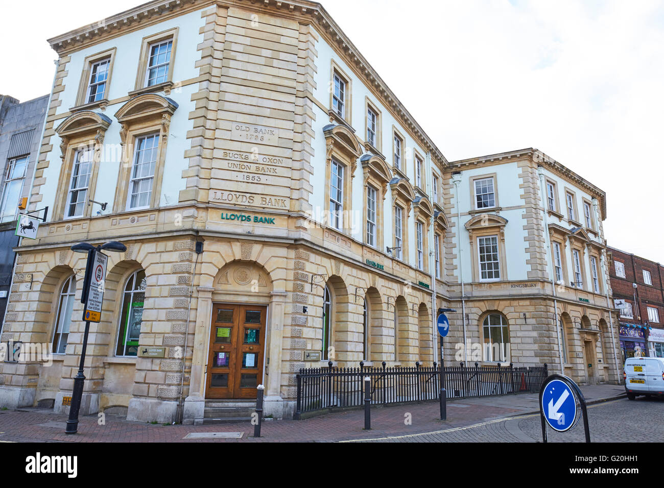 Old Bank Building Built In 1795 Which Was The Bucks & Oxon Union Bank Now LLoyds High Street Aylesbury Buckinghamshire - Stock Image