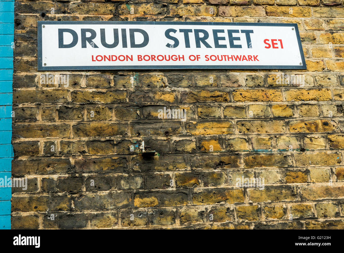 London, United Kingdom - April 30, 2016: Druid Street market in Bermondsey (located in railway arches). Street sign - Stock Image