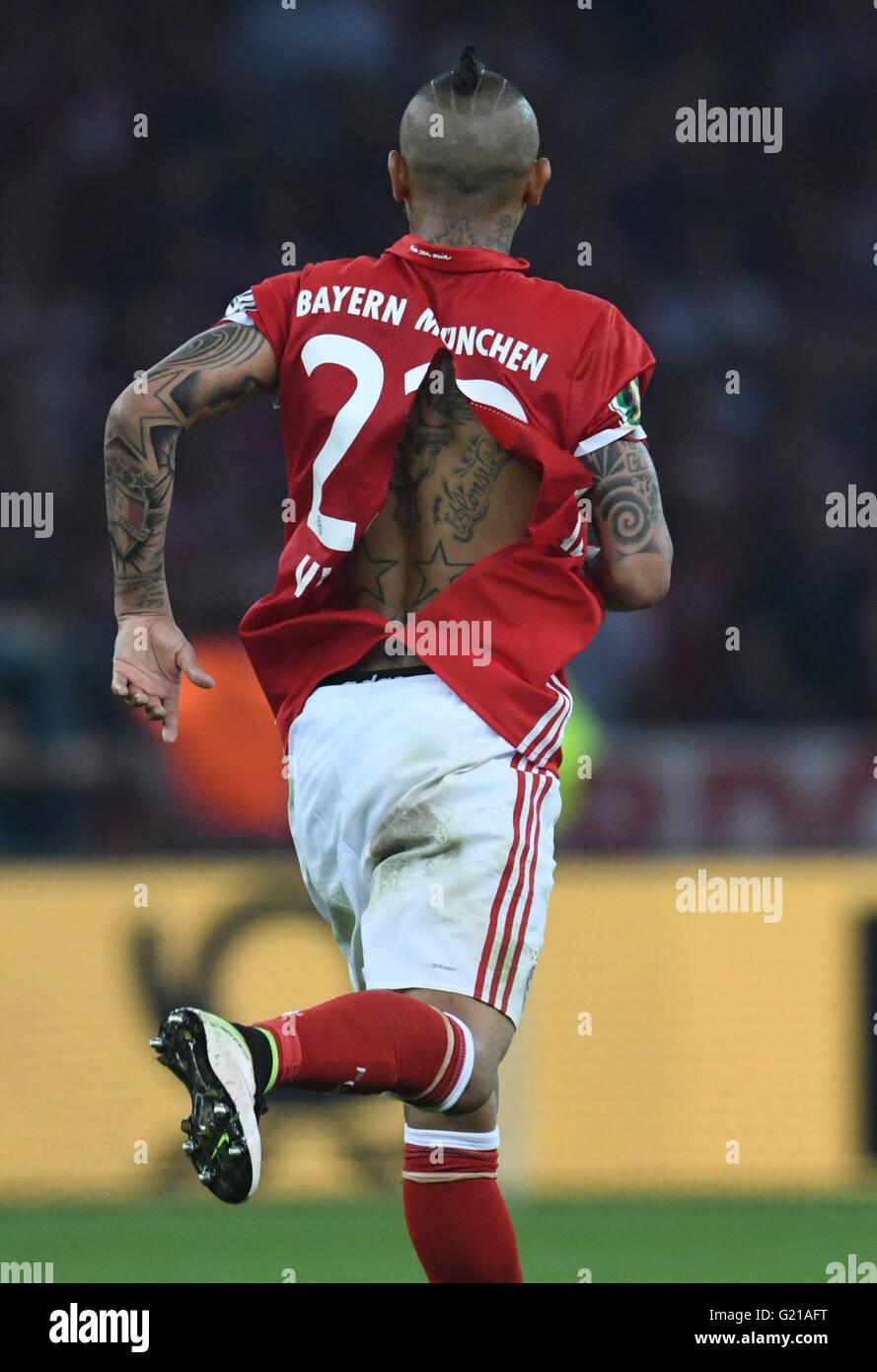 competitive price 4ad14 97f00 Berlin, Germany. 21st May, 2016. Munich's Arturo Vidal seen ...