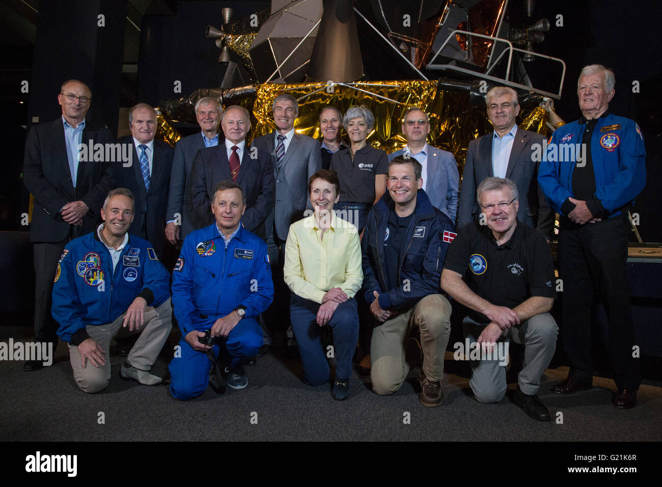 London, UK. 20 May 2016. Members of the European Association of Space Explorers and the crew from the Soyuz TM-11 - Stock Image