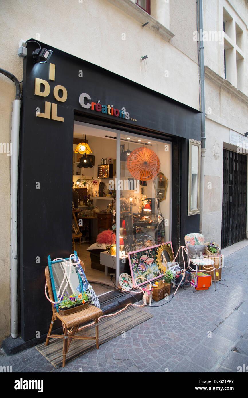 Do Creations Shop, Nimes; France - Stock Image