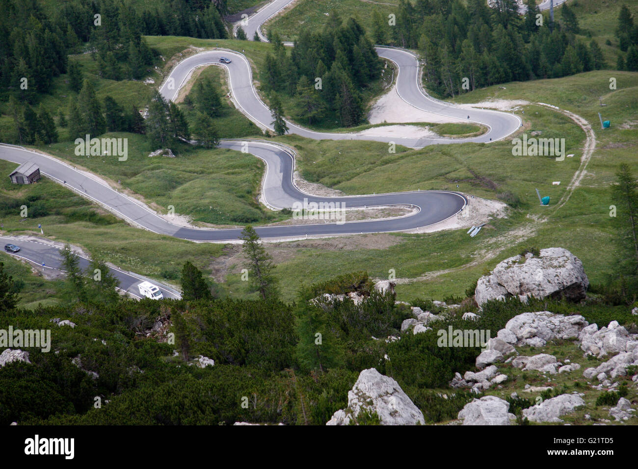 Pordoi Pass, Haarnadelkurven, Dolomiten, Italien. - Stock Image