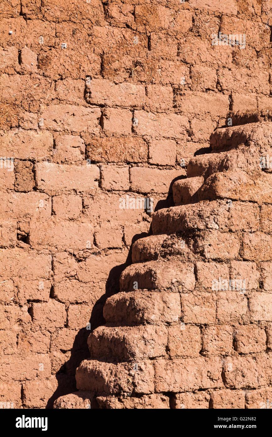 Adobe brick walls in the Andean village of Misminay, Peru - Stock Image