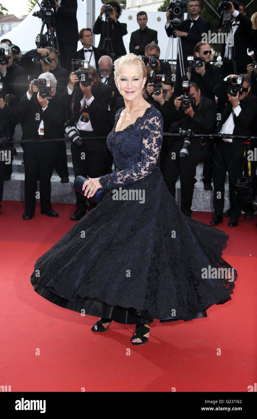 Actress Helen Mirren poses for photographers upon arrival at the screening of the film La Fille Inconnue (The Unkown - Stock Image
