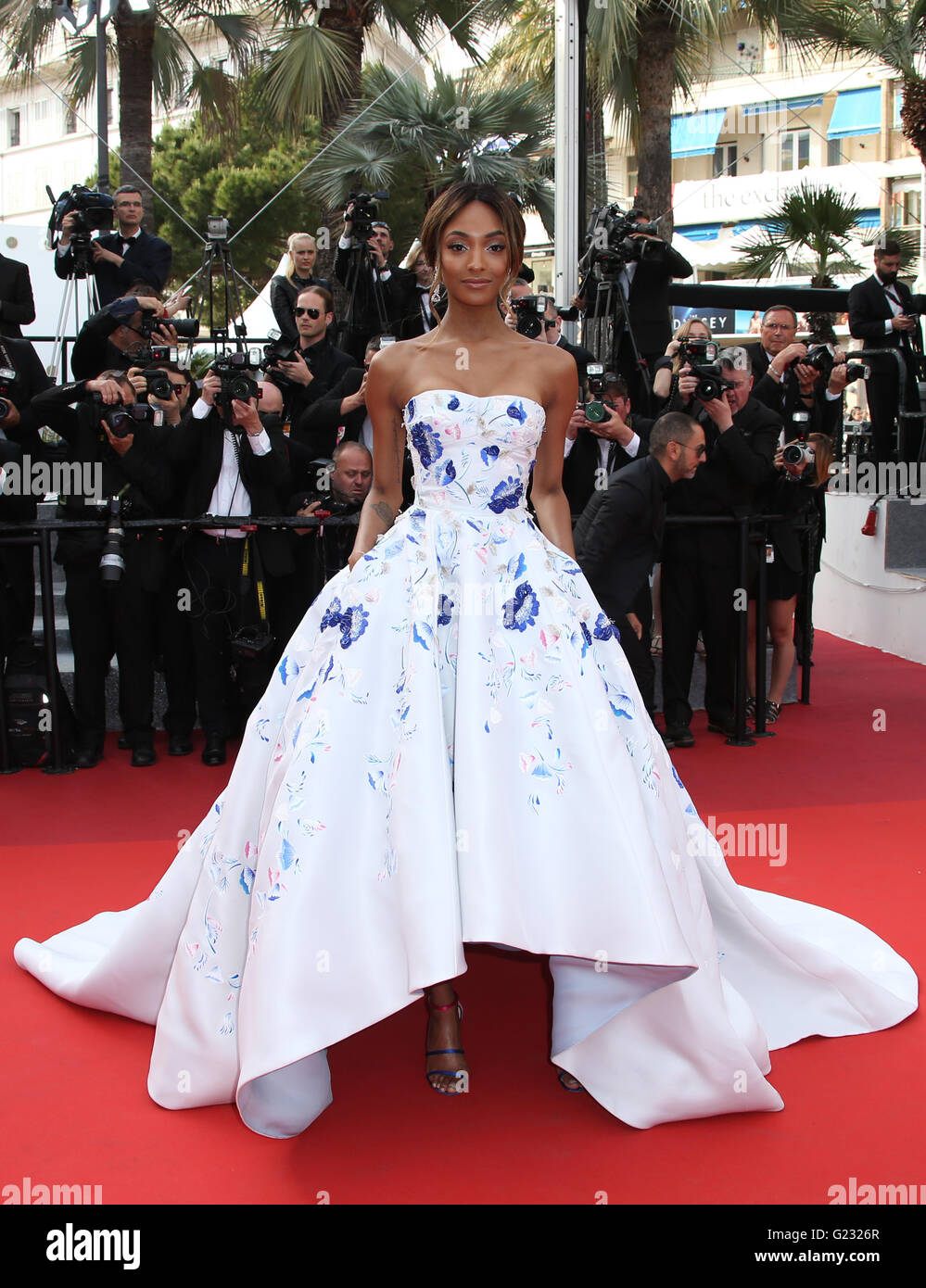 Model Jourdan Dunn pose for photographers upon arrival at the screening of the film La Fille Inconnue (The Unkown - Stock Image