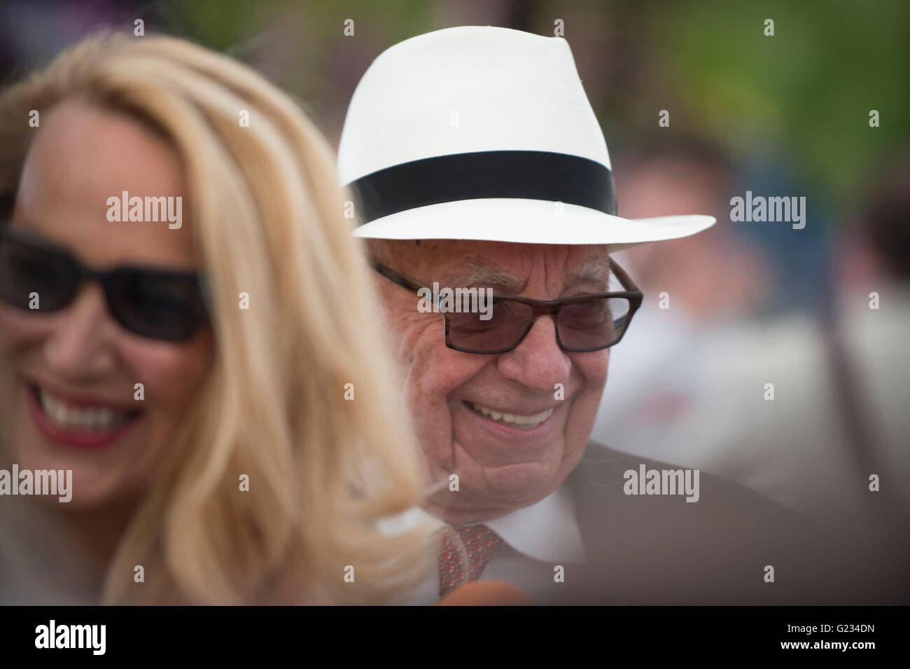 Chelsea, London UK. 23rd May 2016. Jerry Hall and Rupert Murdoch attend Press Day for the world famous Chelsea Flower - Stock Image