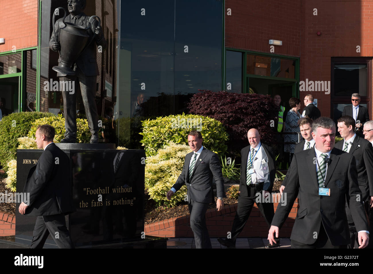 Brendan Rodgers is greeted by crowds of Celtic fans at Celtic Park, Glasgow, Scotland, UK. 23rd May, 2016. Thousand - Stock Image