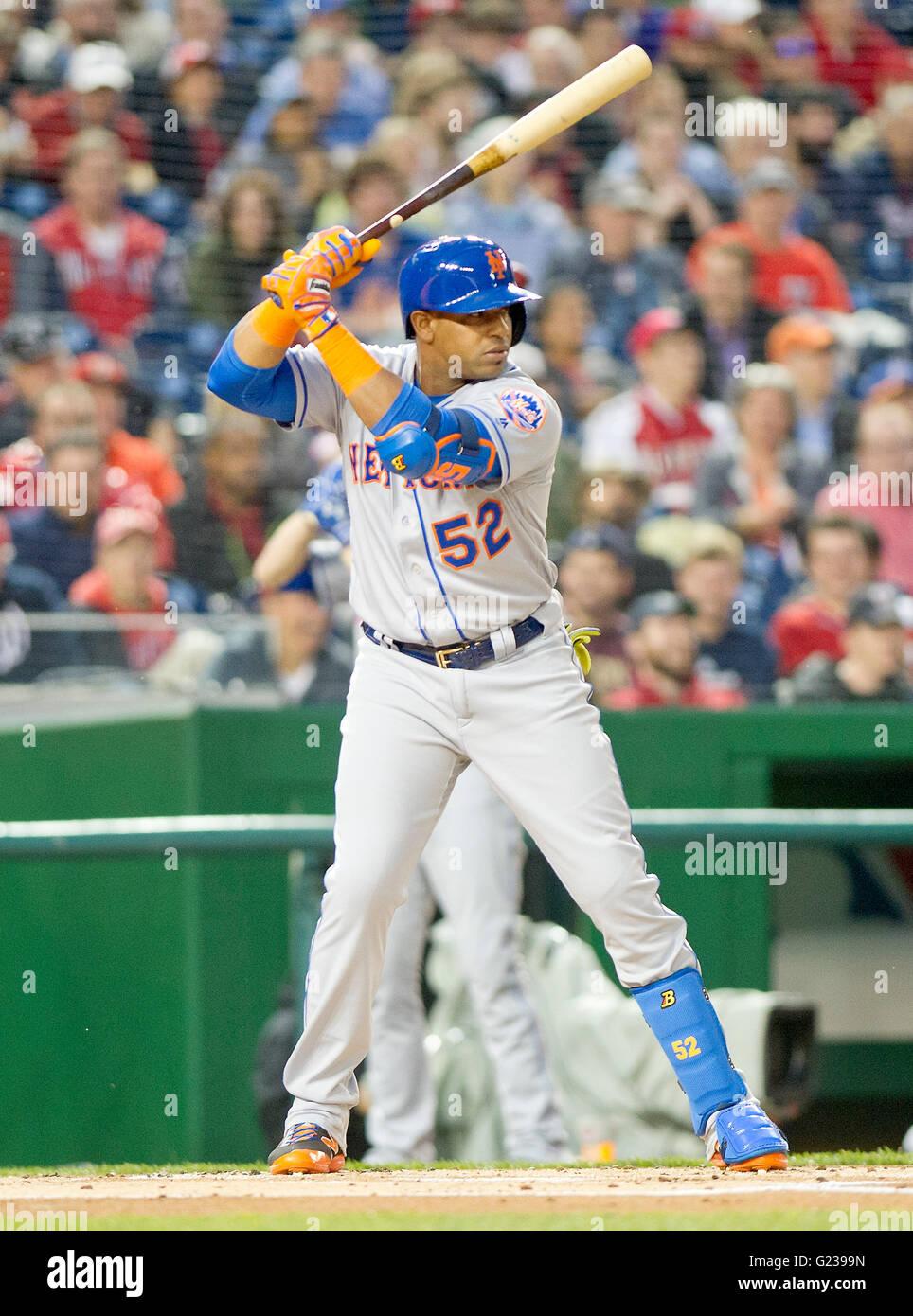 new styles 6c926 57e9c New York Mets center fielder Yoenis Cespedes (52) bats in ...