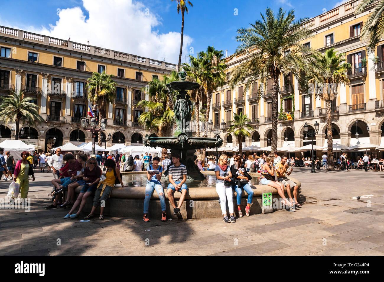 Placa Reial, the Gothic Quarter, Barcelona, Catalonia, Spain. - Stock Image