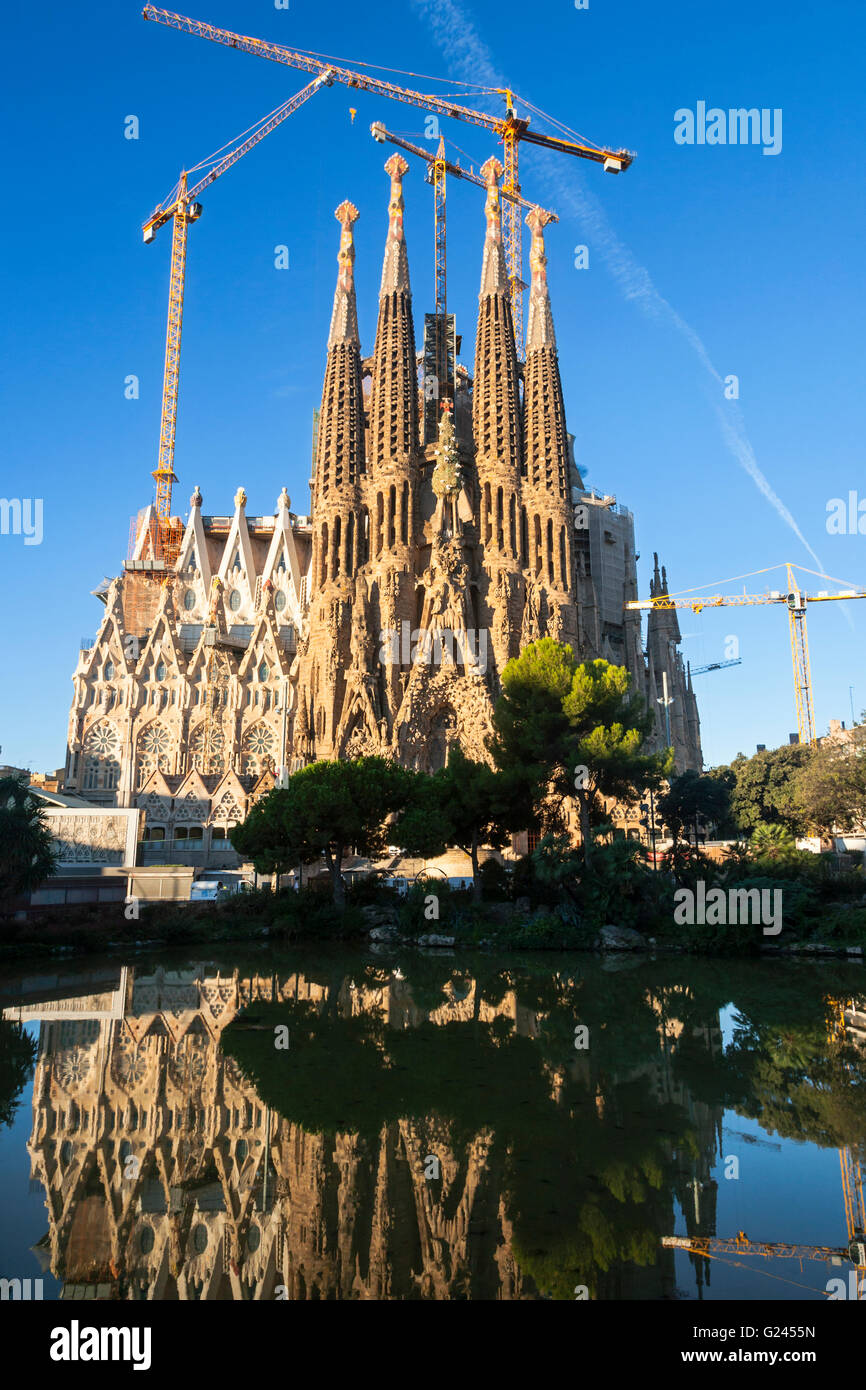 The Sagrada Familia Cathedral By Antonio Gaudil, Barcelona, Catalonia, Spain. - Stock Image