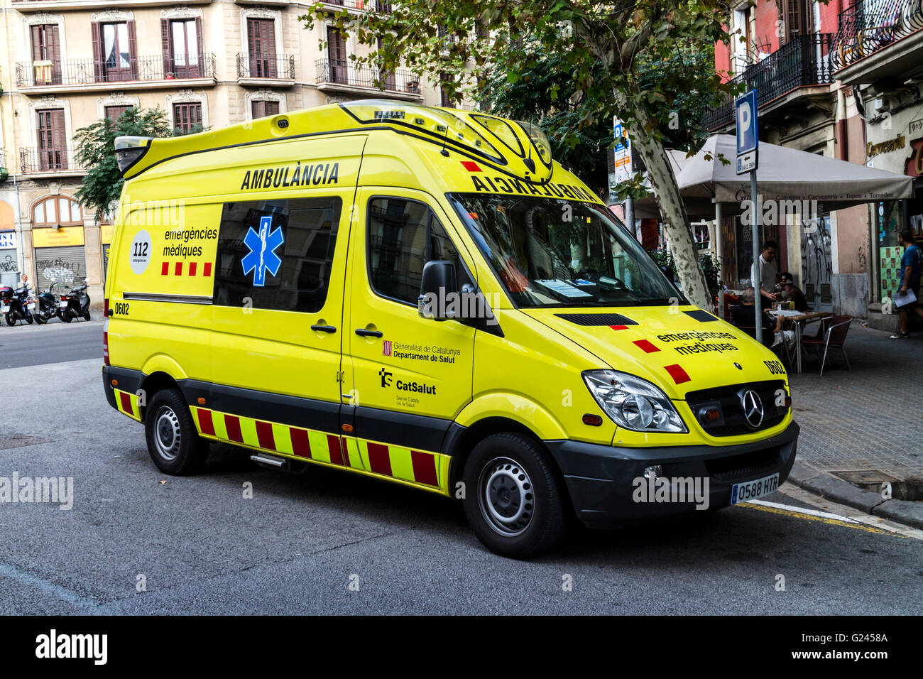 Spanish ambulance out on call, Barcelona, Catalonia, Spain. - Stock Image