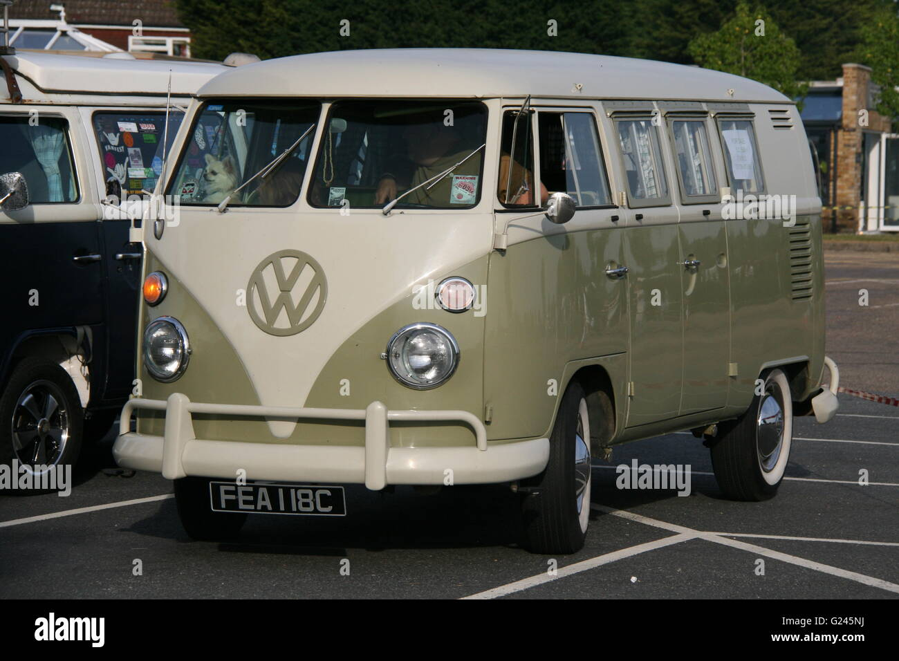 A CLASSIC 1960'S VW CAMPER VAN AT A VINTAGE VEHICLE RALLY - Stock Image