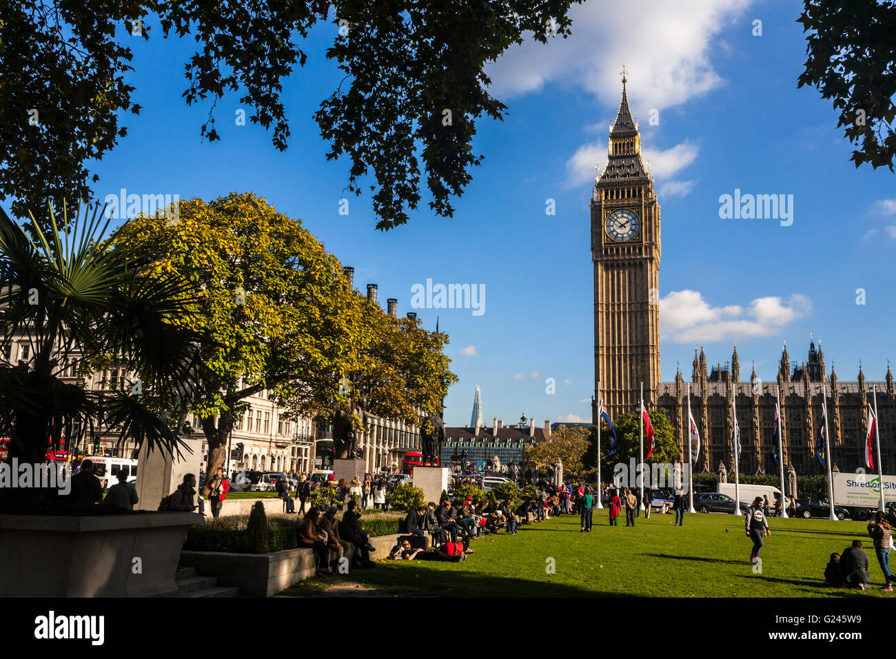 Elizabeth Tower (Big Ben) and Parliament Square, London, England. - Stock Image