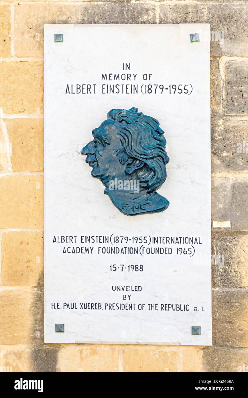 Plaque in memory of Albert Einstein with formula e=mc2 in portrait, Valletta, Malta - Stock Image