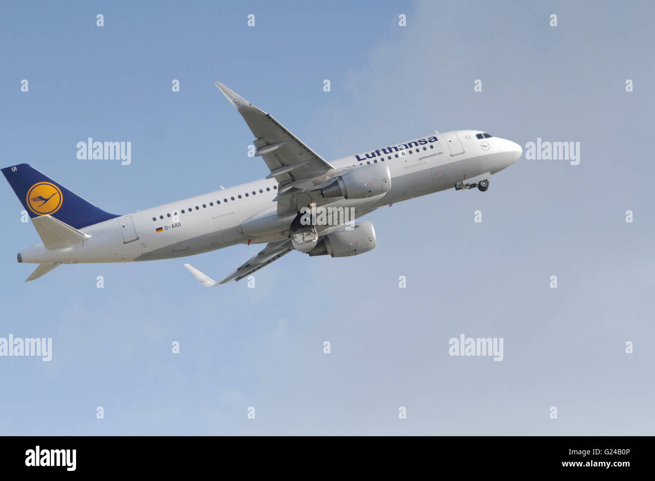 BUCHAREST, ROMANIA - May 18, 2016: German airline Lufthansa, Airbus A320-200, taking off at Henri Coanda International - Stock Image