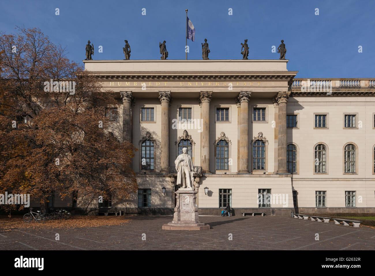 Alexander von Humboldt statue outside the main building of Humboldt-Universität zu Berlin, Unter den Linden - Stock Image