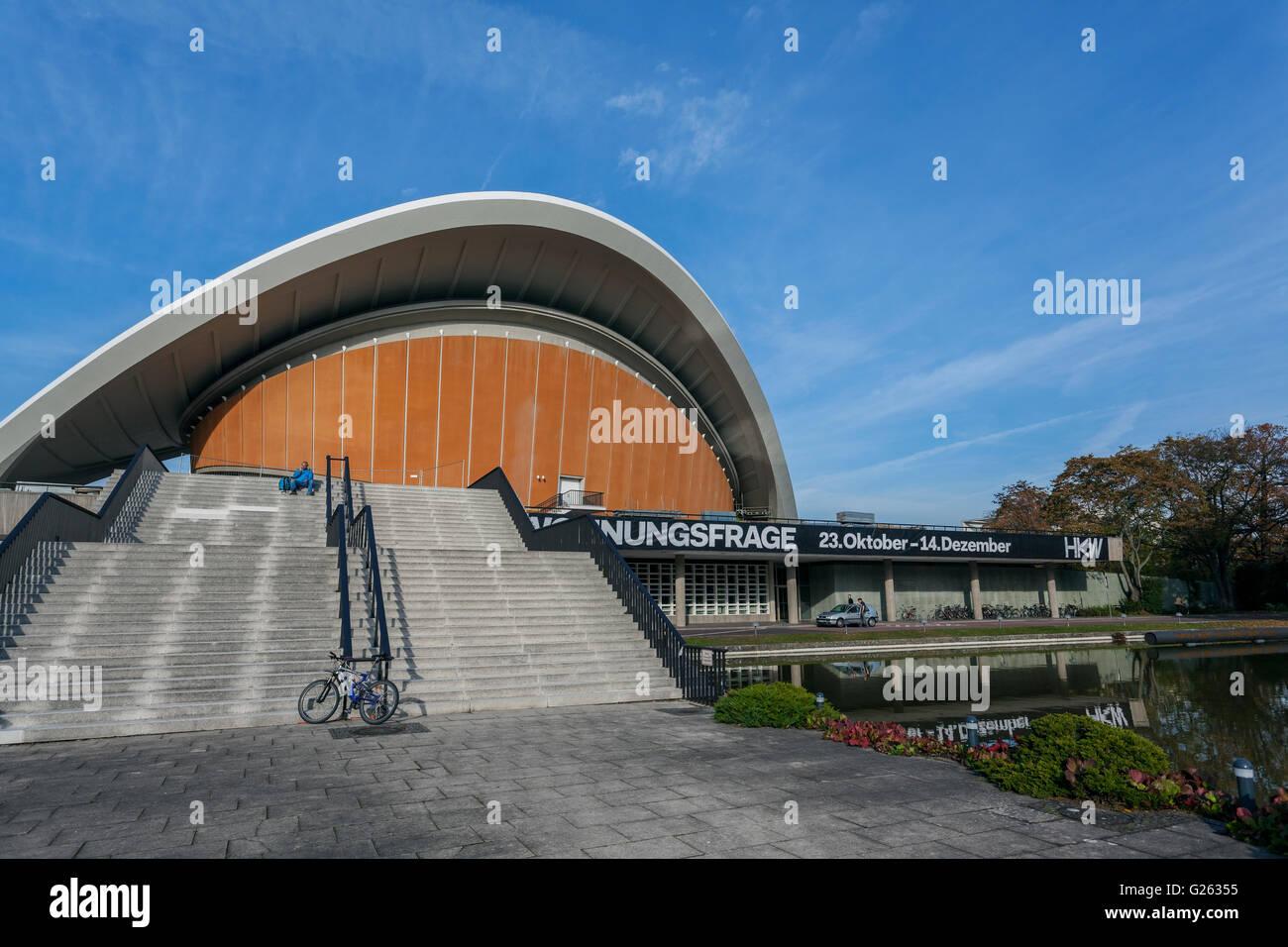 Haus der Kulturen der Welt, House of the World's Cultures, Großer Tiergarten, architect Hugh Stubbins, - Stock Image