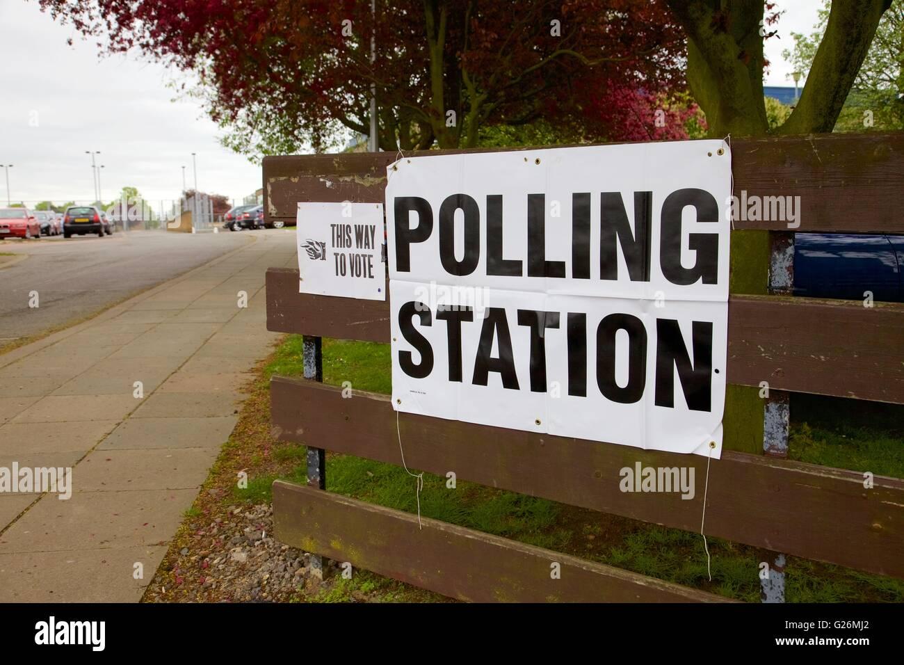 Polling station sign, England - Stock Image