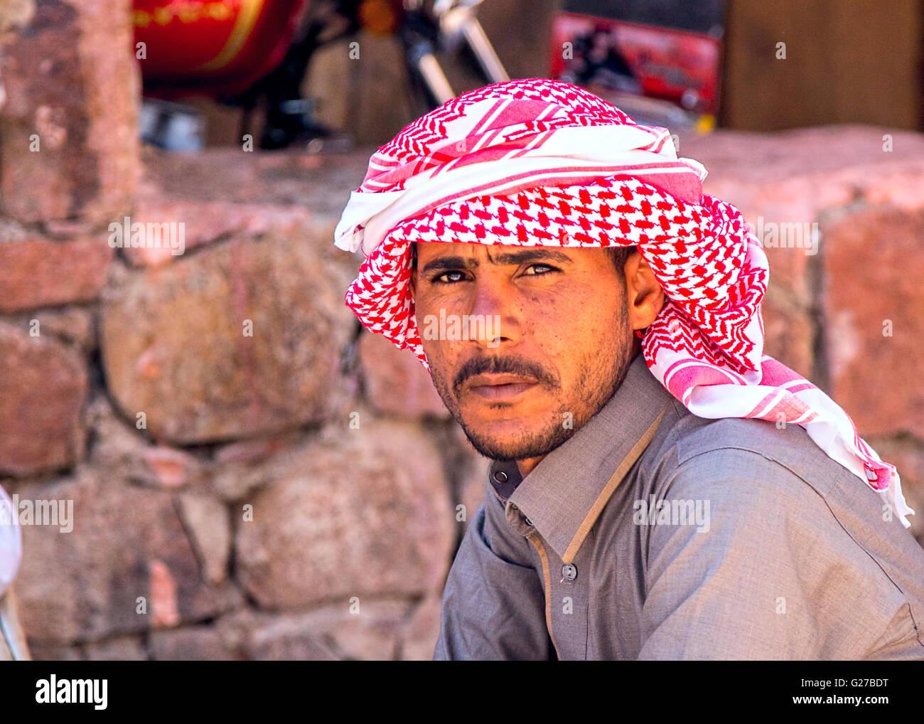 Mens Arab Sheik- Tunic Headdress White Arab Outfit