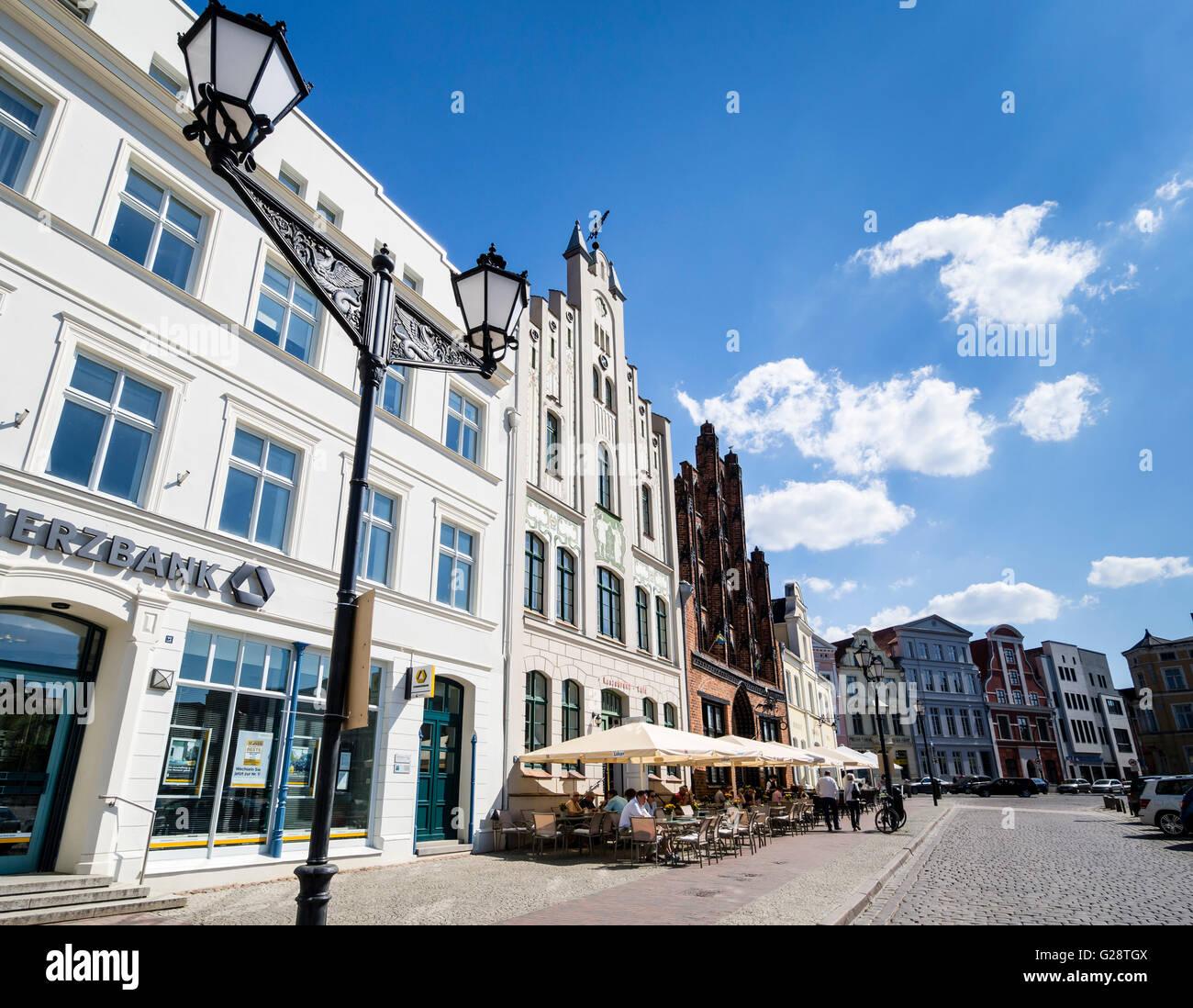 'Wasserkunst', water well, Historic downtown, marktplatz, market place, town square,  Wismar, Germany. - Stock Image
