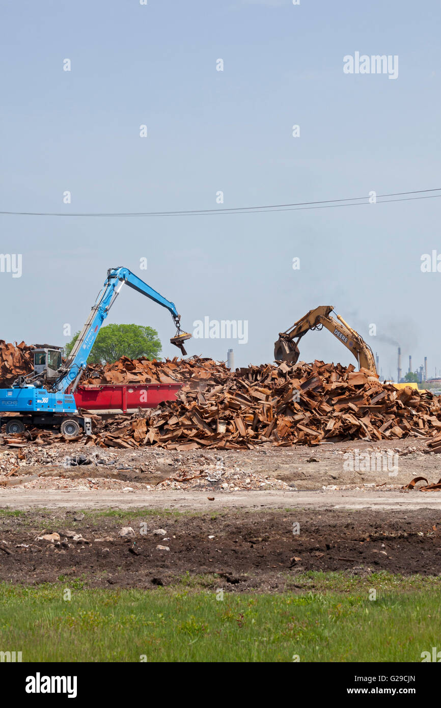 Marysville, Michigan USA - Removal of debris from the demolition of DTE Energy's coal-fired power plant. - Stock Image