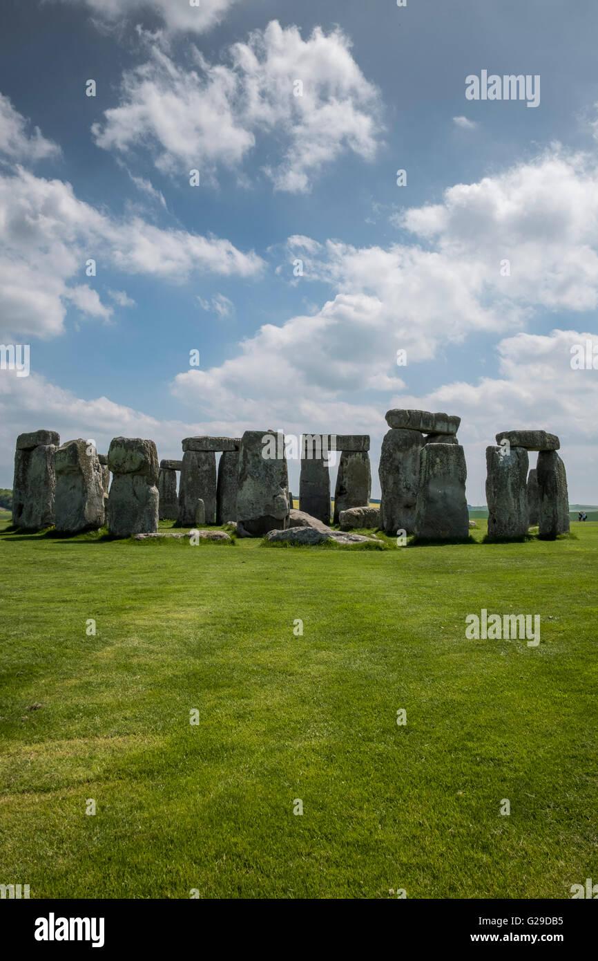 Stonehenge, Wiltshire, UK. 26th May, 2016. A glorious day at Stonehenge attracting a lot of vistors.  Credit:  Paul - Stock Image