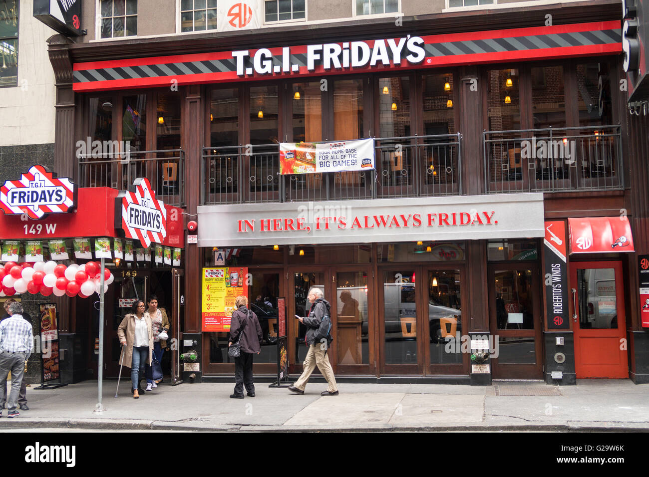 TGIF Friday's Restaurant Facade Stock Photo: 104708875 - Alamy